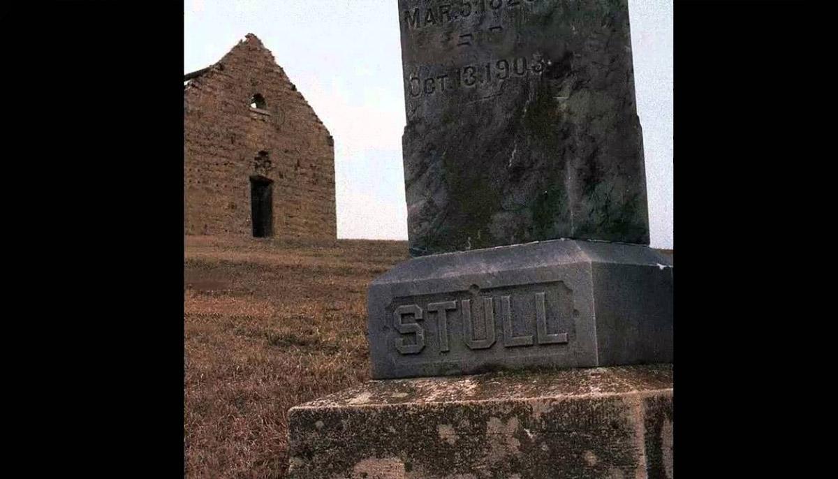 Stull Cemetery - [2021] FrightFind