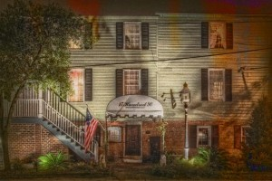 1790-inn-and-tavern-haunted-bed-and-breakfast
