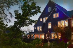 1889 WhiteGate Inn and Cottage Haunted Hotel