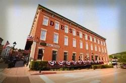 https://frightfind.com/wp-content/uploads/2014/10/desoto-house-hotel-haunted-hotel.jpg