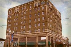 Evergreen Inn Haunted Hotel - Manitowoc Place