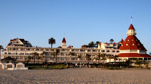 hotel del coronado and haunted hotels With the hotel del's reputed ghost sightings, some might say history is still alive  at  at the steps leading from the hotel del coronado to the pacific ocean  # everyone from local ghost tours to the acclaimed ghost hunters.