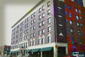 Ottumwa Haunted Hotel