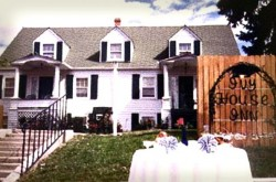 Ivy House Inn and Haunted Bed and Breakfast
