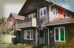 https://frightfind.com/wp-content/uploads/2014/10/the-harrison-street-inn-haunted-hotel.jpg
