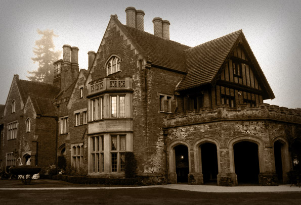 Haunted Hotel - Thornewood Castle in Lakewood, Washington