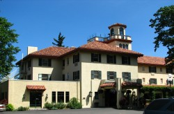 Columbia Gorge Haunted Hotel