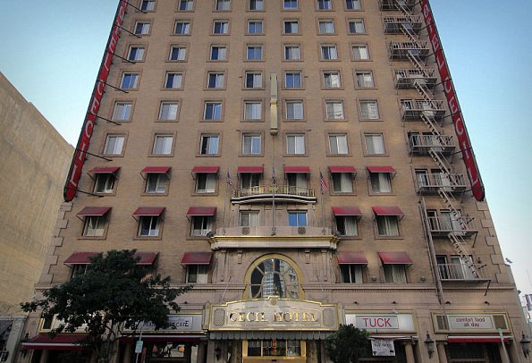 Cecil hotel frightfind for Haunted hotels in los angeles ca