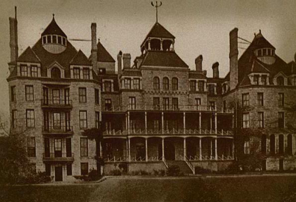 THE HAUNTED 1886 CRESCENT HOTEL