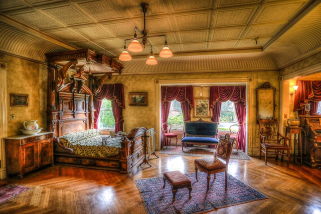 Daisy Bedroom - Winchester Mystery House