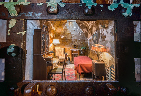 Looking into Al Capone's cell at Eastern State Penitentiary