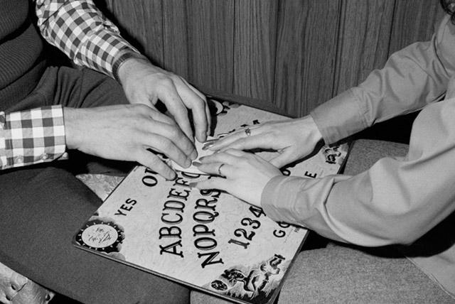 Roland Doe - Ouija Board