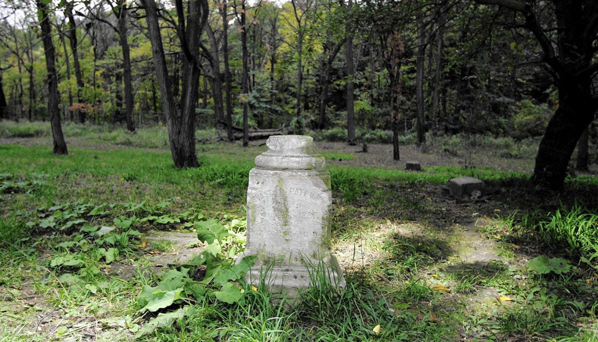 TheHaunted Bachelor's Grove Cemetery